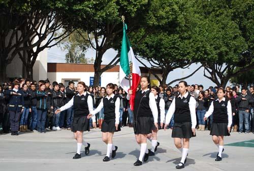 estudiantes de preparatoria cetys celebraron el dia de la bandera